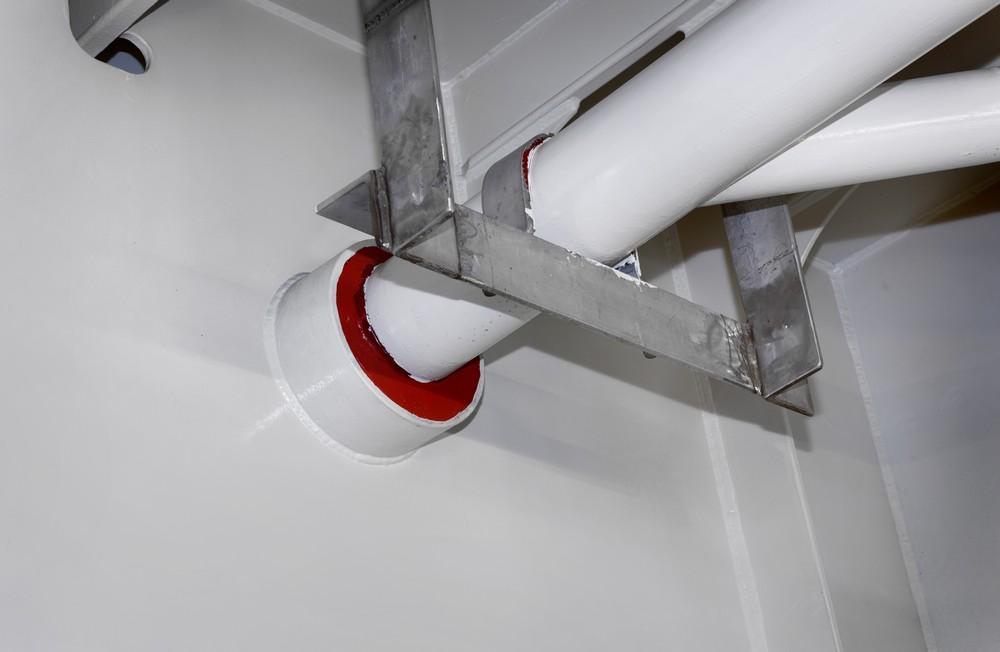 CSD tetting av gjennomføring i vegg.